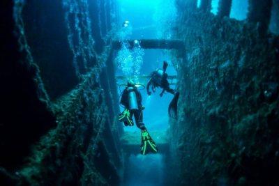Diving the SS Coolidge. Source: discovervanuatu.com