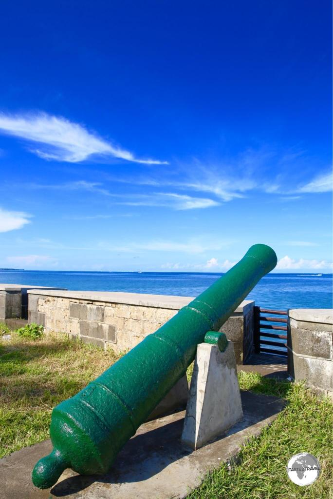 A French canon at Devil's Point.