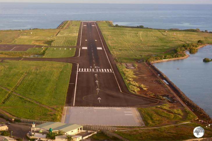 On approach to Dzaoudzi–Pamandzi International Airport.