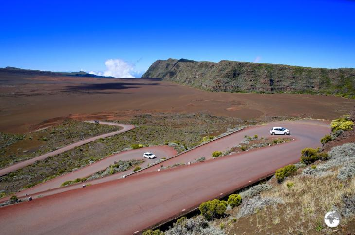 The road to the Piton de la Fournaise descends onto the Plaine de Sables.
