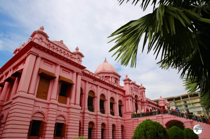 The stately Ahsan Manzil Palace is one of the most significant architectural monuments of Bangladesh.