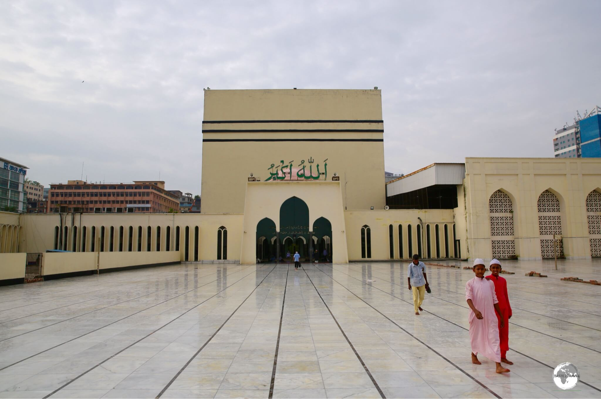 Baitul Mukarram's large cube shape was modelled after the Ka'abah at Mecca.