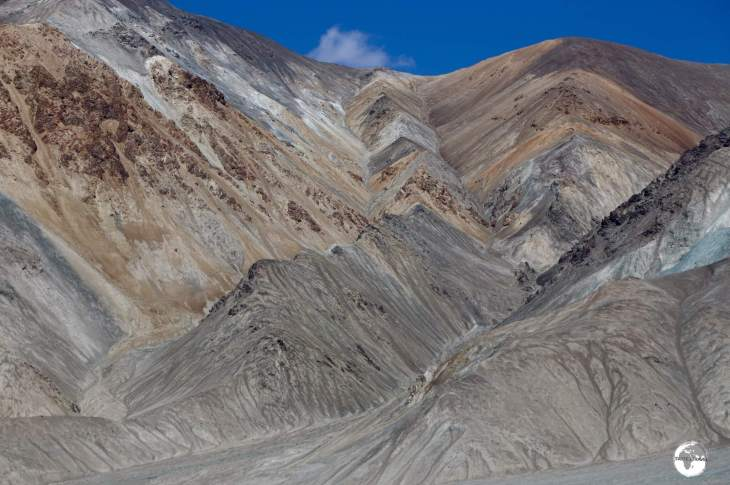 Views from the Pamir highway, north of Karakul lake.
