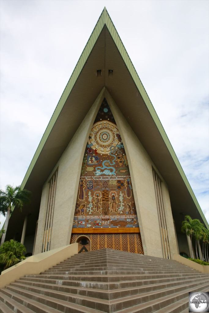 The National Parliament House was designed to resemble a Sepik-style 'haus tambaran'.