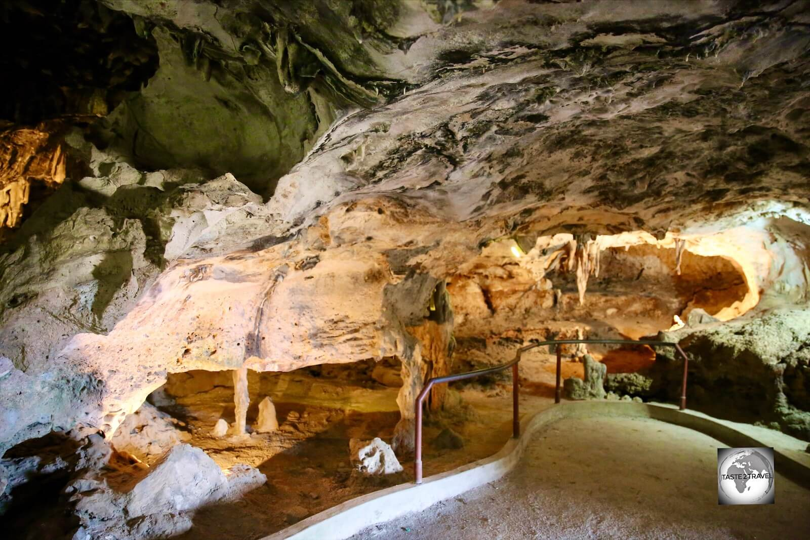 The interior of the Hato cave on Curaçao.