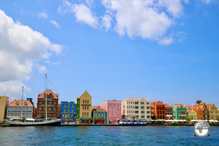 A view of the colourful Handelskade, Willemstad.