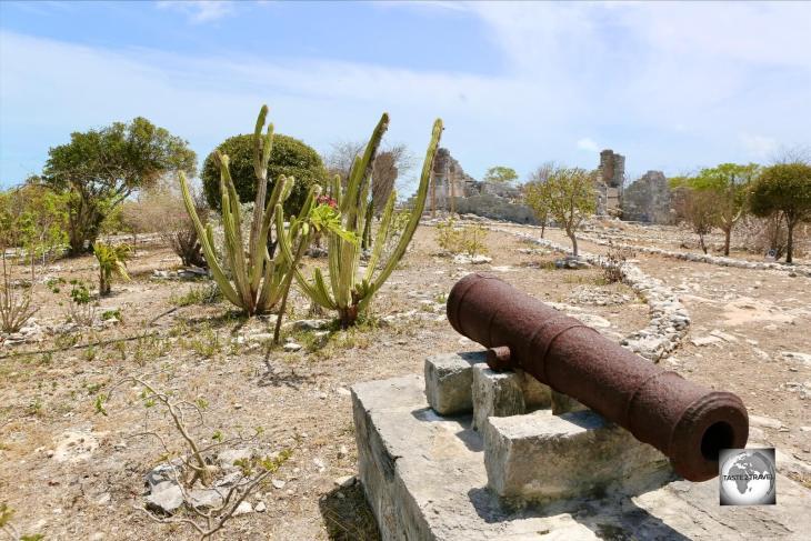 A British canon on Provo Island.