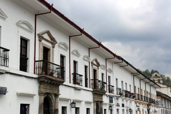 Known as 'La Ciudad Blanca' (The White City), due to the white colour of most buildings, Popayán is famous for its colonial architecture and its contribution to Colombian culture.