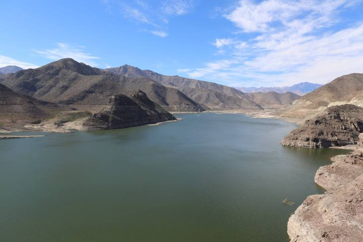 Puclaro is an artificial lake created by a dam on the Elqui River, 40 km east of the city of La Serena, northern Chile.