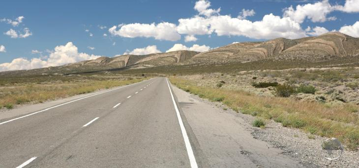 """At a length of 5,000 km (3,100 mi), South America's version of Route 66, """"Ruta 40"""" (RN40) is the longest route in Argentina and one of the longest in the world."""