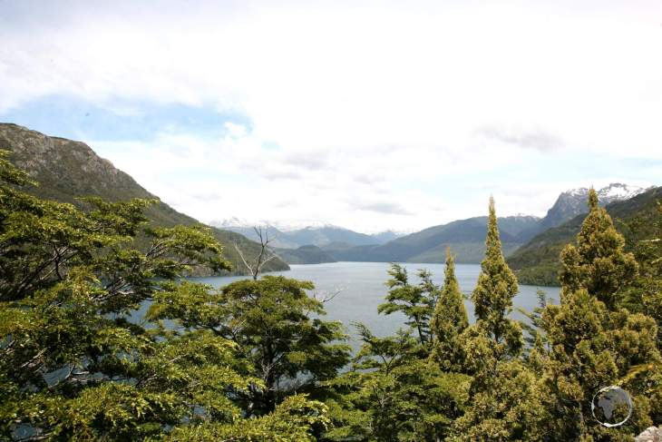 Located in the north of Argentine Patagonia, the famous 'Ruta de los Siete Lagos' – or Route of the Seven Lakes – traces a winding path through forests and around seven lakes.