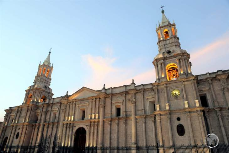 The imposing Arequipa Cathedral, which was constructed from blocks of white Sillar (volcanic rock), stretches the entire length of the central 'Plaza de Armas'.