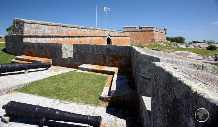Construction of Fortaleza de Santa Teresa was begun by the Portuguese in 1762 and finished by the Spaniards after they captured the fortress in 1793.