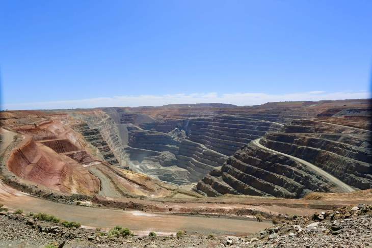 A panoramic view of the 'Super Pit', a very large gold mine in Kalgoorlie.