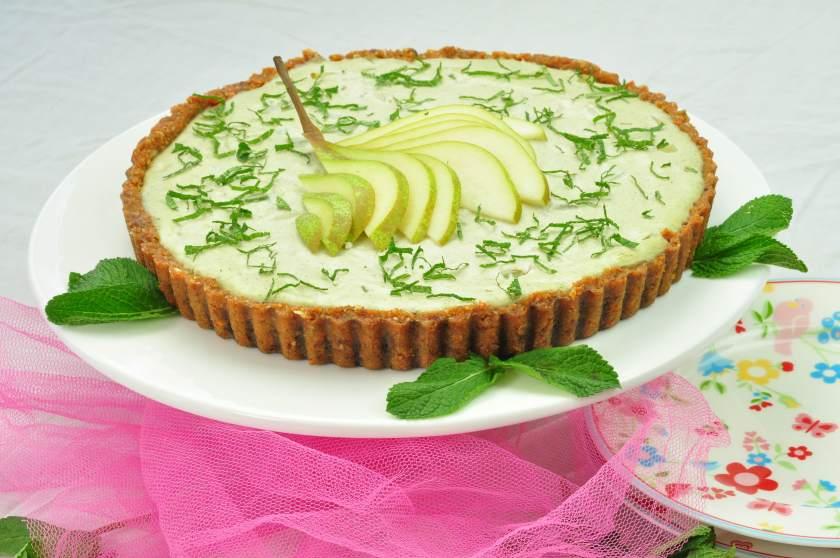 Raw_cake_with_pear_and_cashew_raw_fika