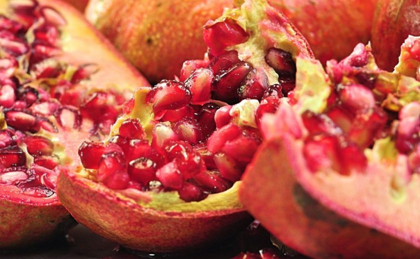 pomegranate_closeup