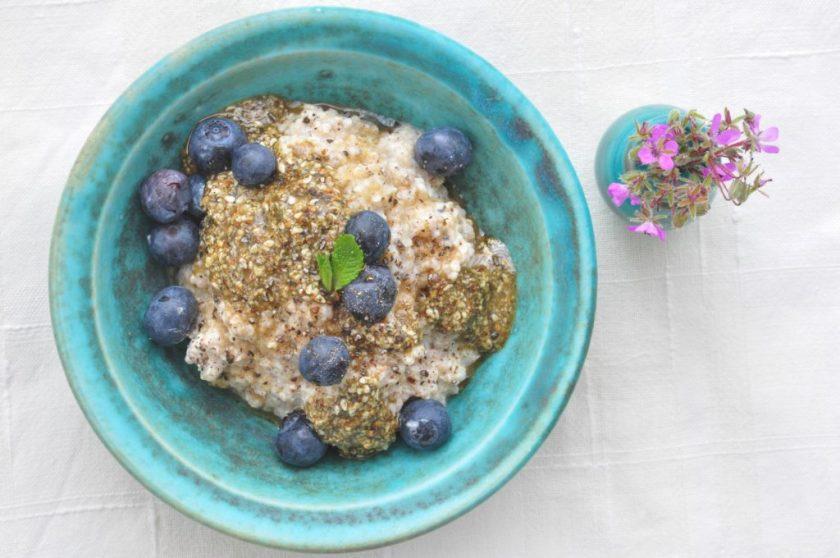 Quinoa_porridge_with_pumpkin_butter_3
