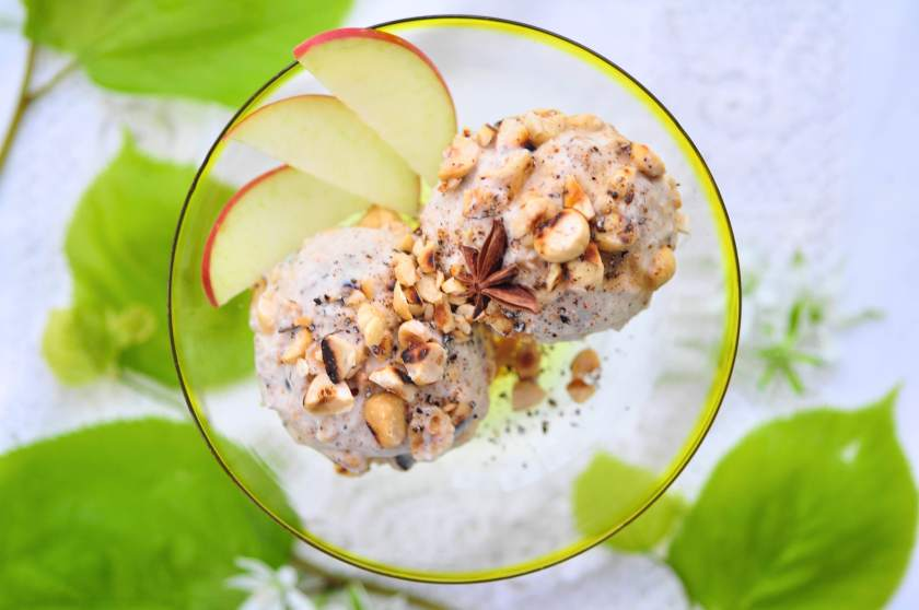 The_yoga_kitchen_apple_icecream_with_warm_spices_2