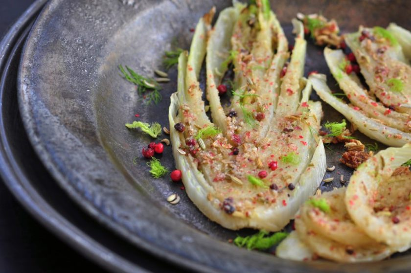 Baked_fennel_with_pink_pepper_and_almond_flour_2