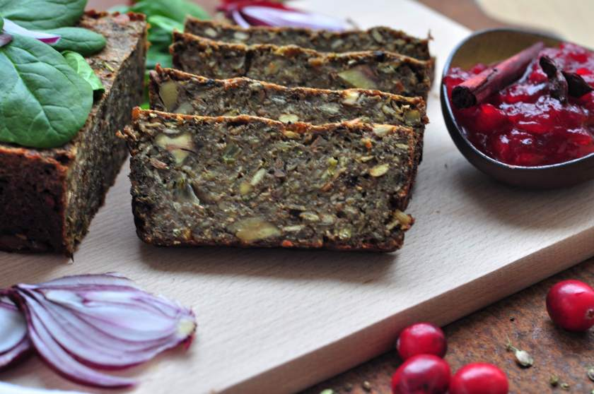Green_pate_with_cranberry_sauce_2