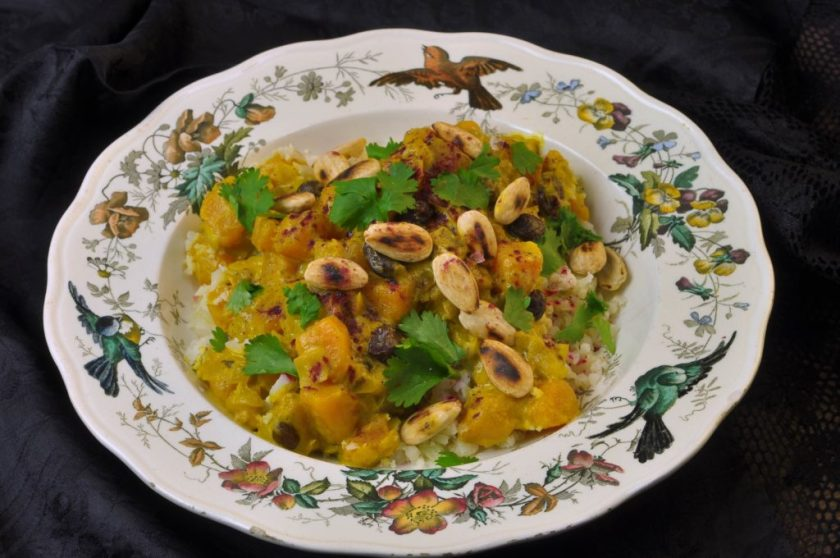 Pumpkin_curry_with_hibiscus