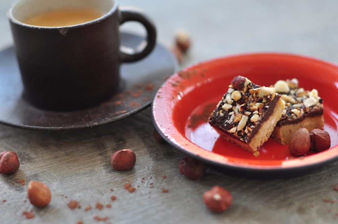 Raw_chocolate_and_orange_cake _with_cashew
