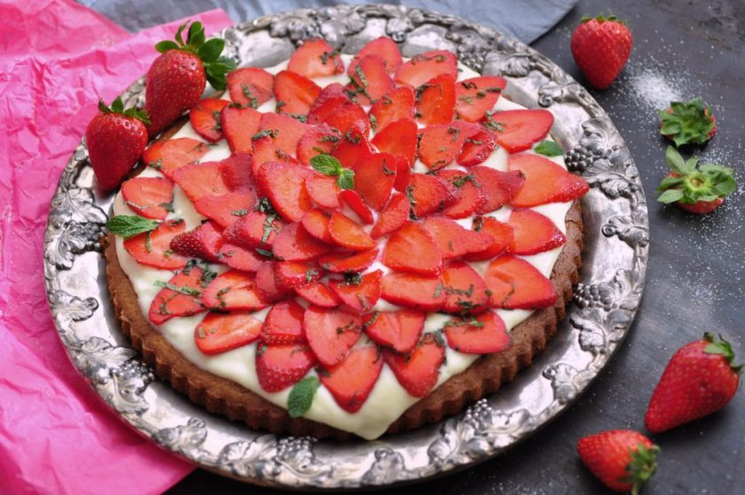 Strawberry_cake_with_limonchello_cream_3