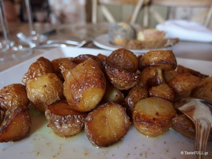pyrgos-petreza-patates