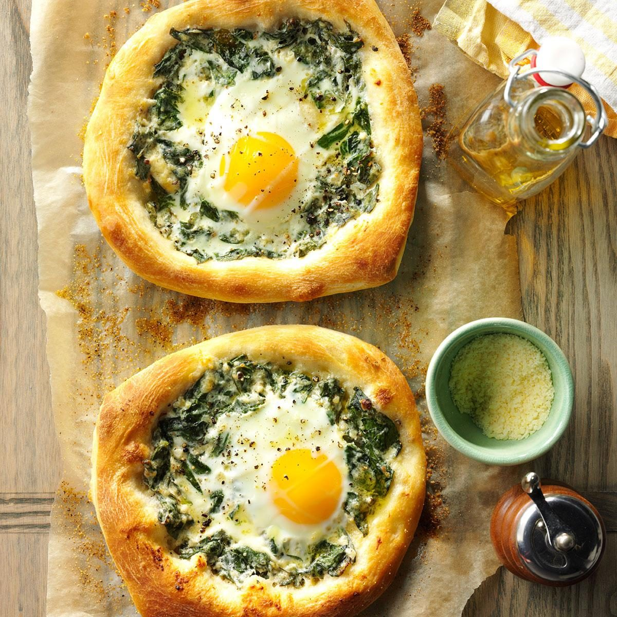 Spinach Egg Breakfast Pizzas Recipe Taste Of Home