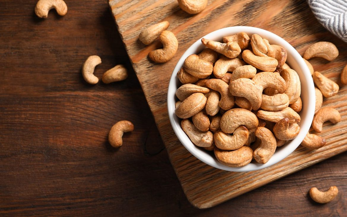 Are Cashews Good for You? Here Are the Health Benefits & Risks