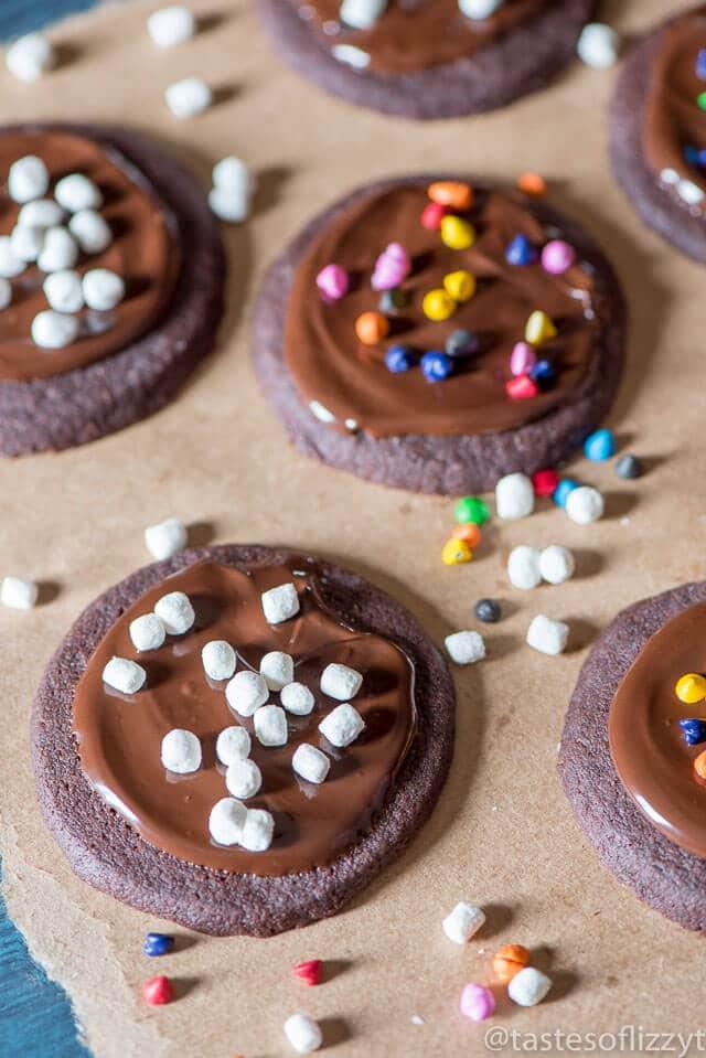 iced-chocolate-shortbread-cookies-recipe-19