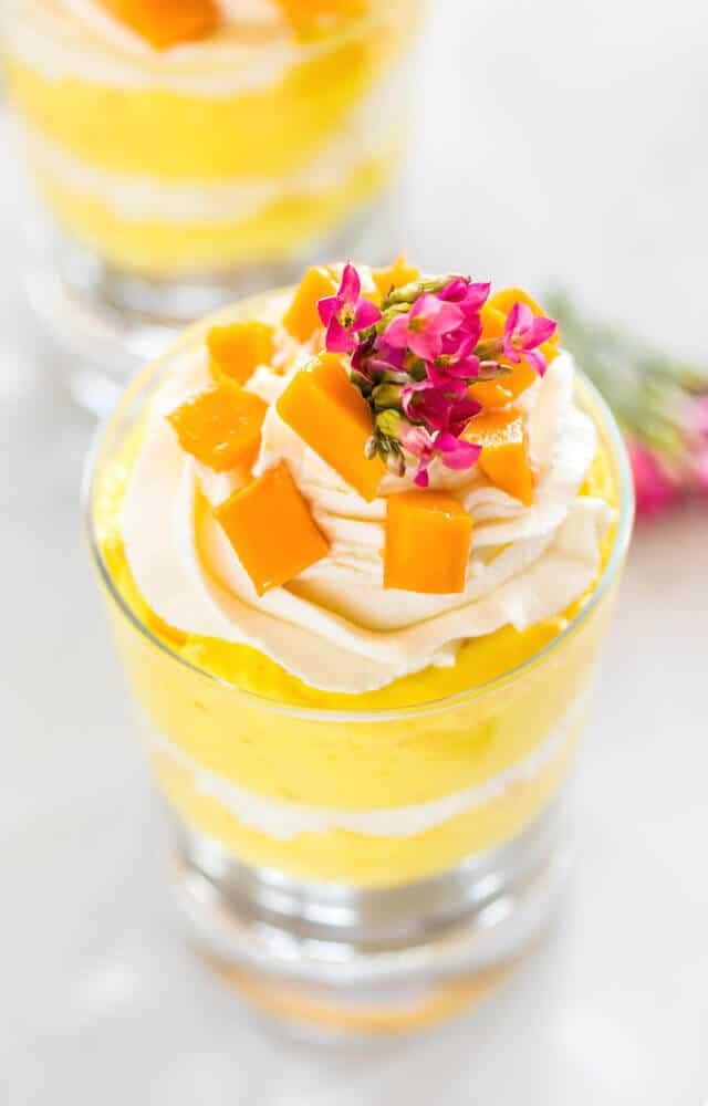 no-bake-mango-cheesecake-trifles