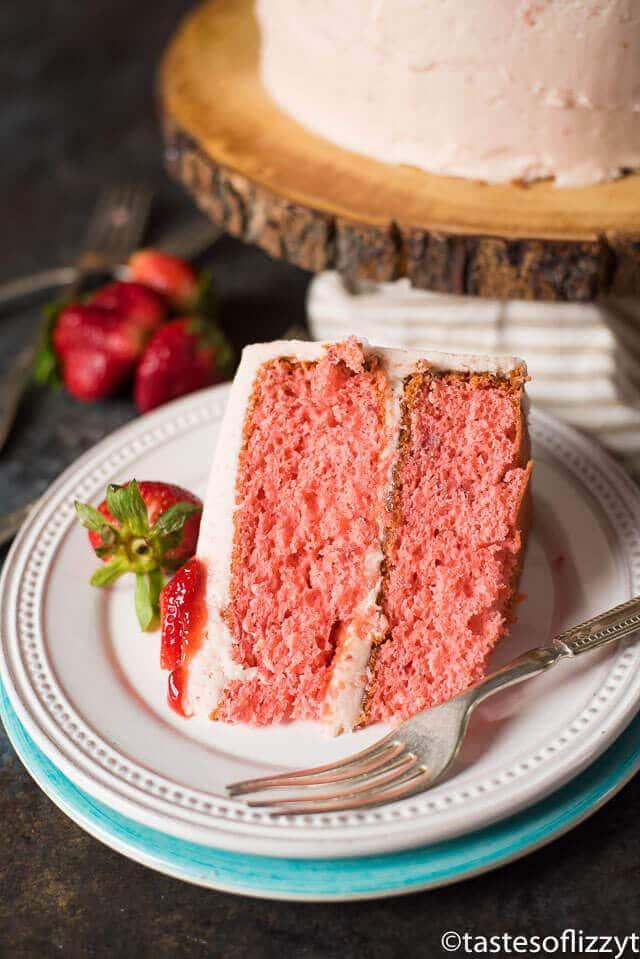 How To Make A Box Cake Taste Like A Wedding Cake.Easy Strawberry Cake Recipe