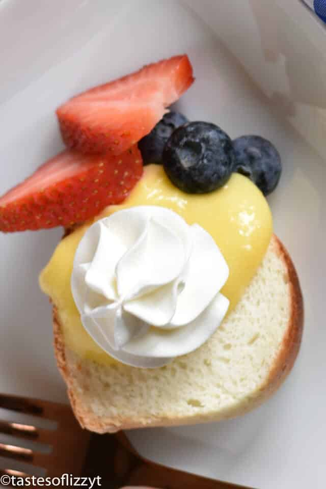 lemon curd and fresh berries on pound cake
