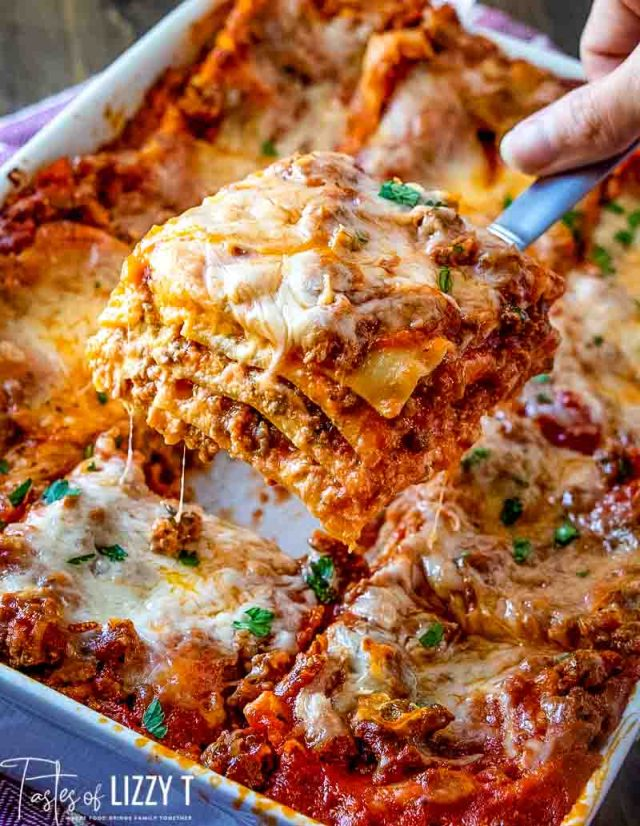 Easy Lasagna Recipe (No Need to Boil the Noodles!)