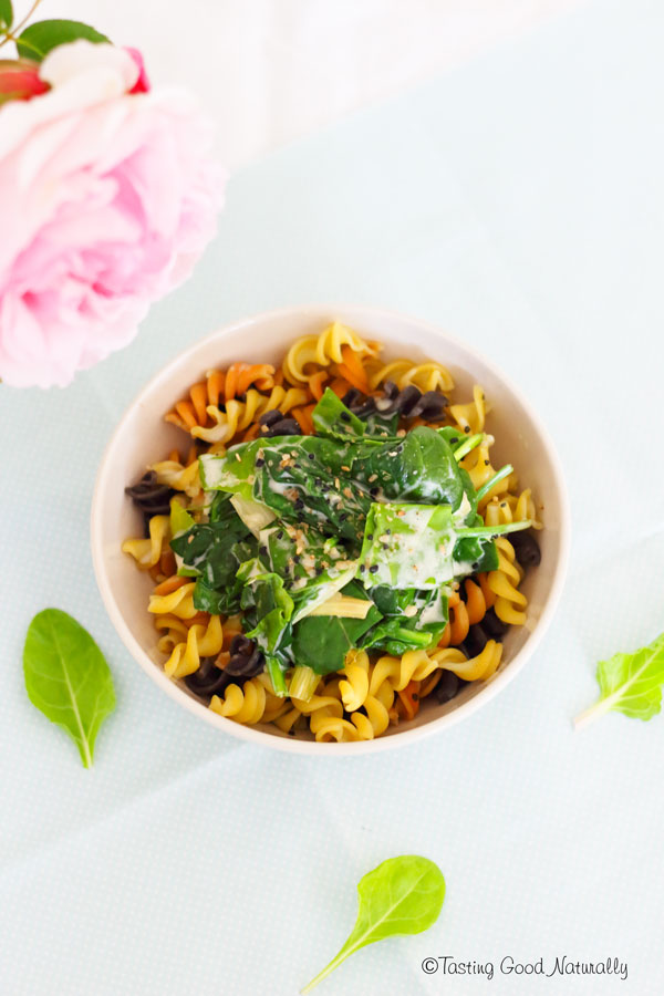 Tasting Good Naturally : Envie de manger un petit repas gourmand mais qui reste sain ? Venez découvrir ma recette de pâtes et blettes à la crème vegan et riche en protéines végétales.