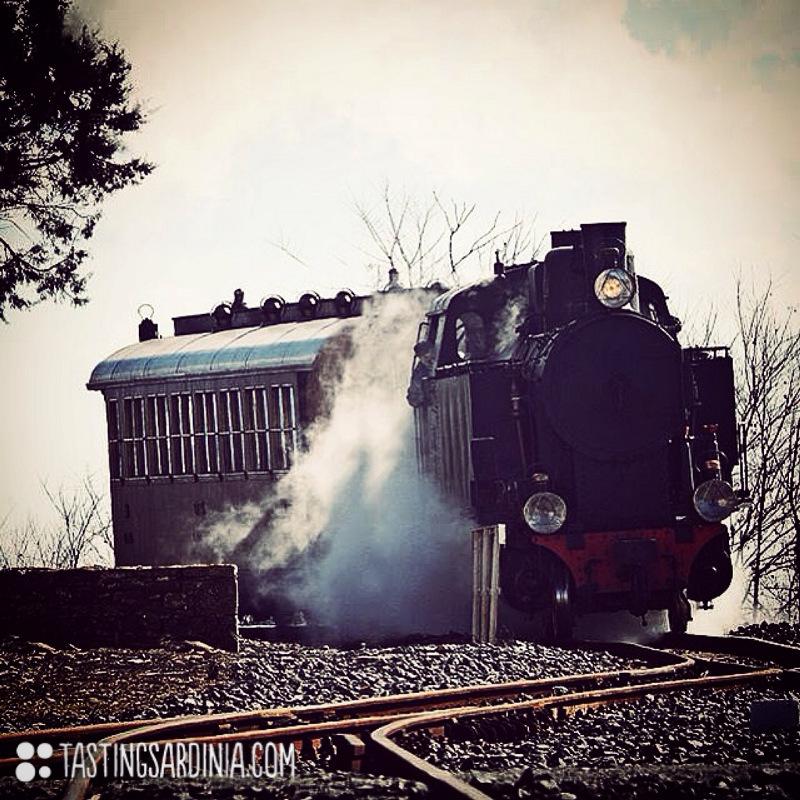 trenino verde the old train