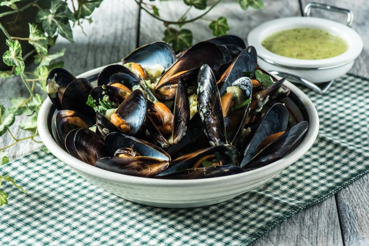 Keto Mussels In Basil Cream Sauce Tasty Low Carb