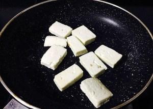 IMG_0531-300x214 Cottage Cheese in Spinach Sauce/Punjabi Palak Paneer