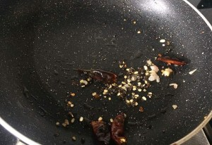 IMG_0707-300x206 Padwal Curry/Pudalangai Poriyal/Snake gourd stir fry
