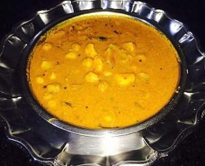IMG_0877-300x243 Chickpeas Curry/ Chole Curry/ Kondai Kadalai Puzhi Kolambu