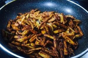 IMG_1935-300x199 Stir Fried Colocasia/Arbi Fry/Cheppankilanku Vadhakkal