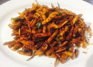 IMG_1938-300x215 Stir Fried Colocasia/Arbi Fry/Cheppankilanku Vadhakkal