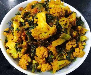 WhatsApp-Image-2017-08-09-at-3.23.02-PM-300x248 Spinach and Cauliflower Curry /Palak and Gobi Subzi