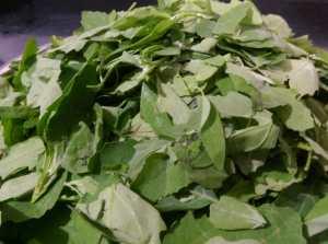 AKCW1590-300x223 Chenopodium Potato Curry/Bathua Aloo Ki Subzi/Paruppu Urulai Keerai