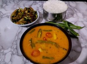 HUAZ9470-300x223 Sindhi Kadhi/ Vegetables in Gram Flour Gravy