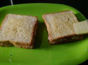 MJKB0666-300x223 Yogurt Vegetable Sandwich