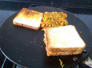 WFUG8857-300x223 Vegetable Masala Sandwich