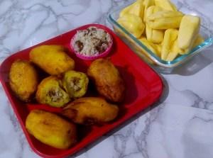 JWGZ6885-1-300x223 Stuffed Jackfruit Fritters/Stuffed Chakka Pori/Stuffed Jack Fruit Appam
