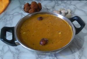 NIKA7263-300x204 Jackfruit Seed Lentil Gravy/Palakottai Sambar